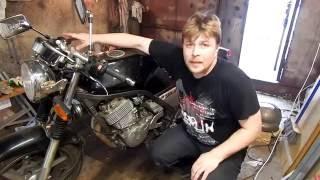 Замена поршневых колец и маслосъемных колпачков Yamaha SRX 400 4 Часть 1 (разборка)