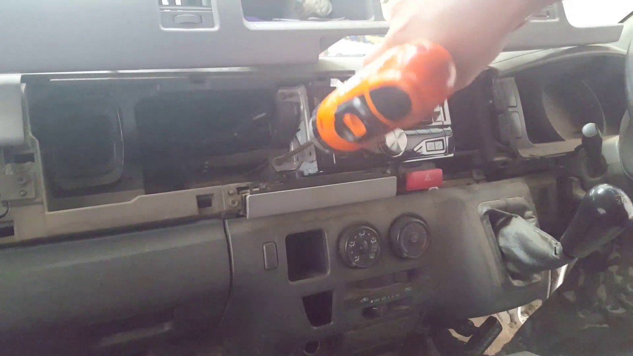 How To Install A Head Unit Into A 2004 Toyota Hiace Lwb
