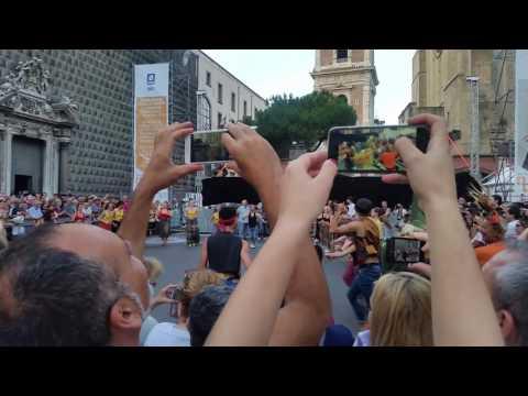 """""""Tammurriata 'o ball 'ngopp 'o tambur""""  - Napoli Teatro Festival 25.06.2017 - inizio"""