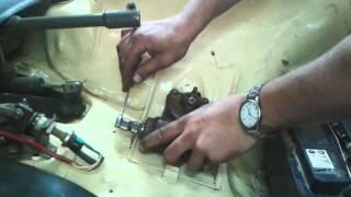 Снятие рулевого редуктора с сошкой ЗАЗ968м(Многие спрашивают, как снять рулевой редуктор Запорожца , если не снимается сошка . Вот видеоответ., 2015-08-15T07:24:33.000Z)