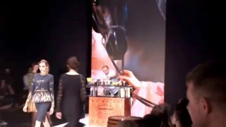 Картины Светланы Валуевой на подиуме Mercedes-Benz Fashion Week