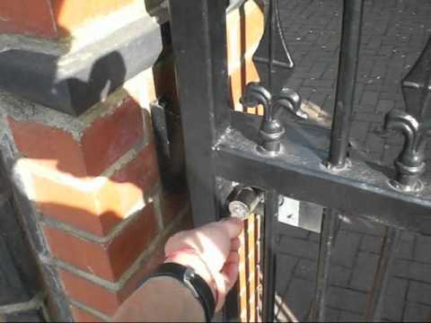 hqdefault cisa elettrika gate lock call 020 8445 4454 youtube cisa electric lock wiring diagram at n-0.co