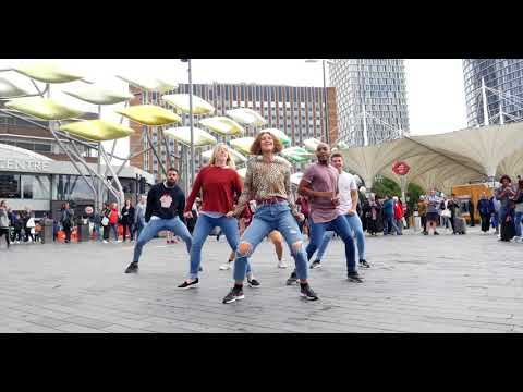 Amazing Westfield Stratford Flash Mob!