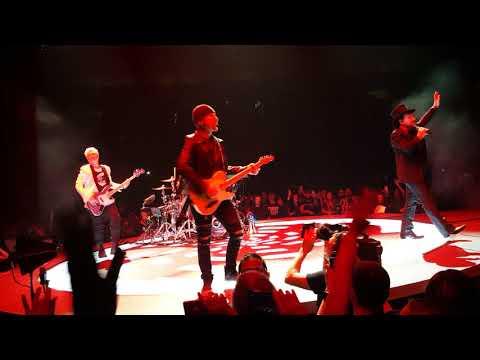 U2 Vertigo - Desire Tulsa, OK 05/02/2018