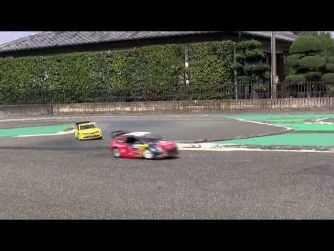 Kyosho DRX 3台レース