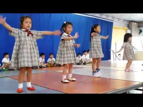 4 years old kids dance Waka Waka - Shakira