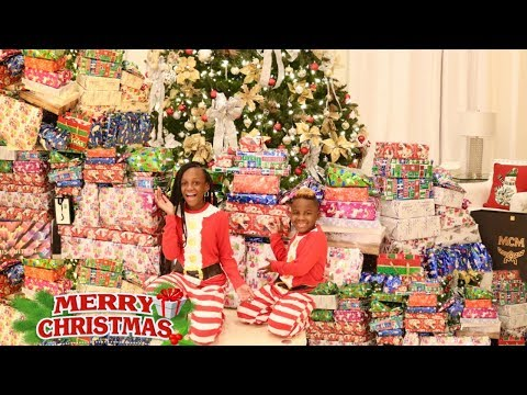 CHRISTMAS MORNING SPECIAL OPENING PRESENTS 2019