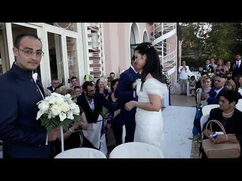 Entrata sposa ,accompagnata dal violino, sulle note di Halo by Beyoncé