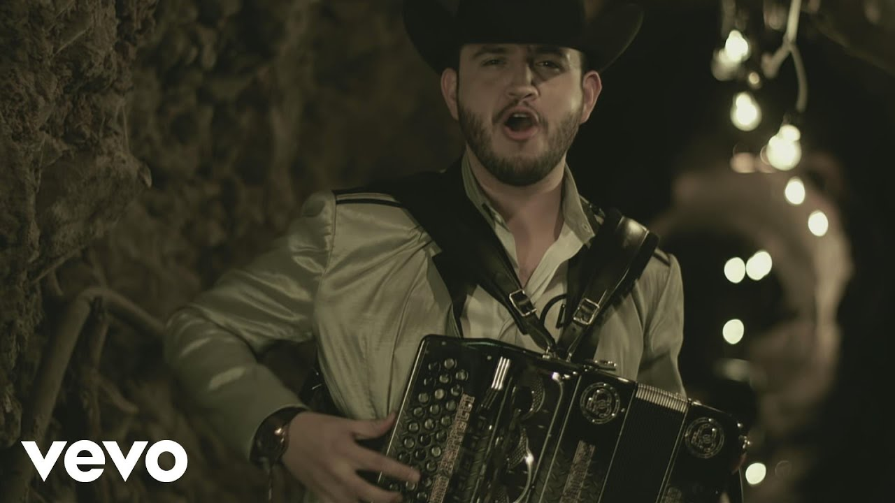 Calibre 50 - Se Volvio a Pelar Mi Apa - Video Official 2016 - Descargar