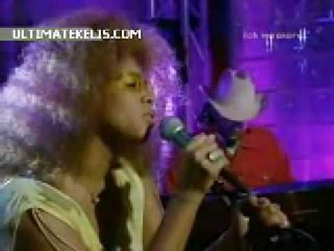 Kelis- Get Along with You (Live EMA's 2000)