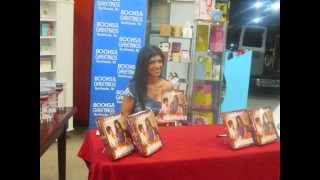 Coverage & Quick Thoughts from Teresa Giudices Book Signing at Books And Greetings