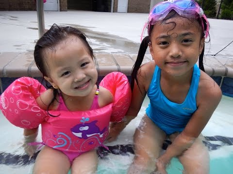 Swimming with Yuona and her Puddle Jumper!