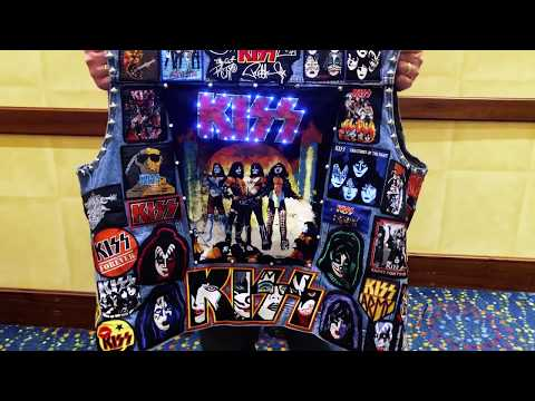 Meet the World's Most Awesome Kiss Jacket