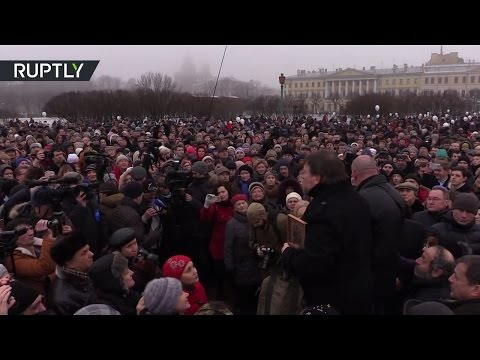 Protest against handing over iconic Saint Isaac's Cathedral to the Orthodox Church in St Petersburg