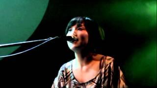 2012年5月24日に「青山 月見ル君思フ」で行われた「みょん」さんのライ...