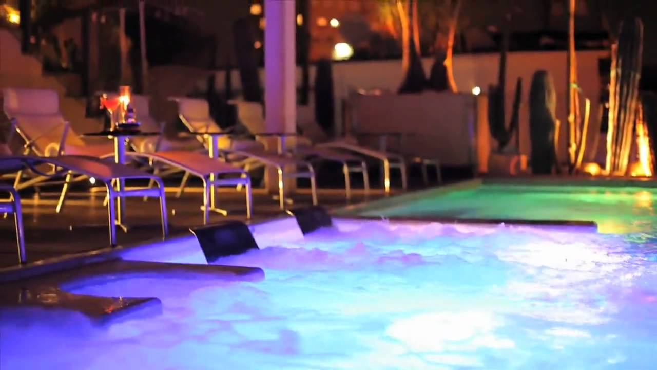 Luxury boutique hotel in naples italy romeo hotel for Best boutique hotels naples