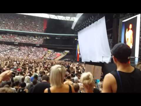 Eminem Wembley intro and square dance