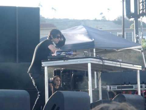 EROL ALKAN rocks TIGA live at HARD SUMMER 2010