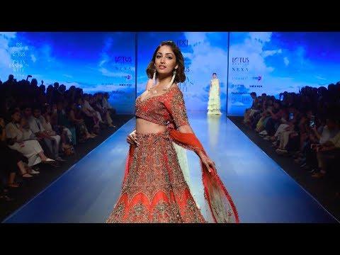 Yami Gautam Walks For WNW | Spring/Summer 2019 | India Fashion Week