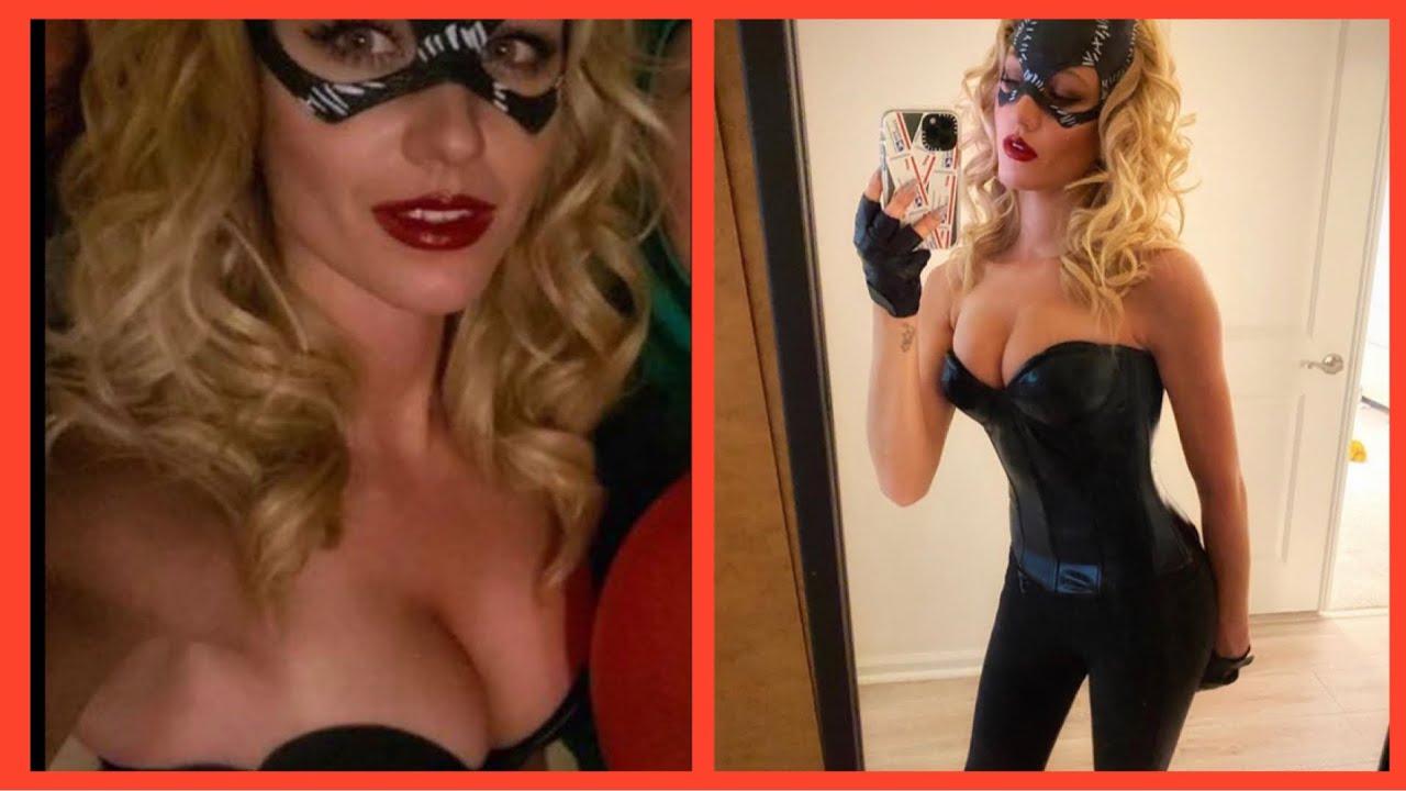 Katherine McNamara as Catwoman