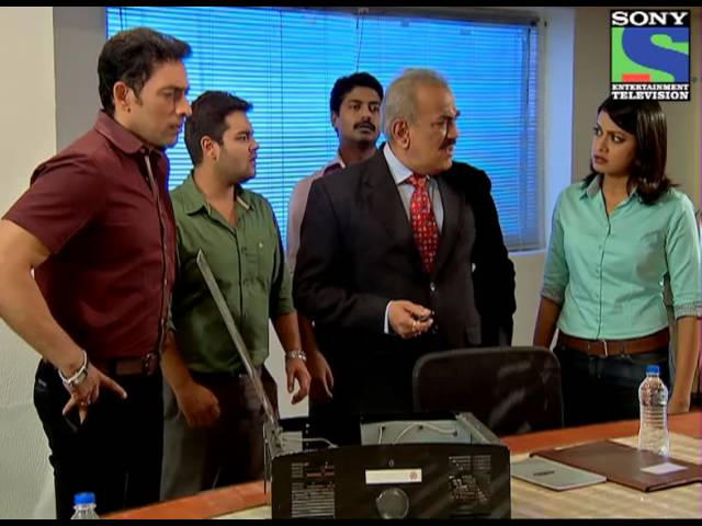 CID - Teen Mujrim - Episode 979 - 19th July 2013 Travel Video