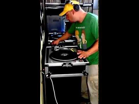 DJ PATO GUATEMALA Trabajando en  Full Vinilo (Cultura y Expreciòn) 11/2014