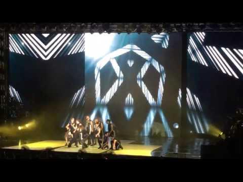 Selena Gomez - Slow Down - Revival Tour Malaysia 25.07.16
