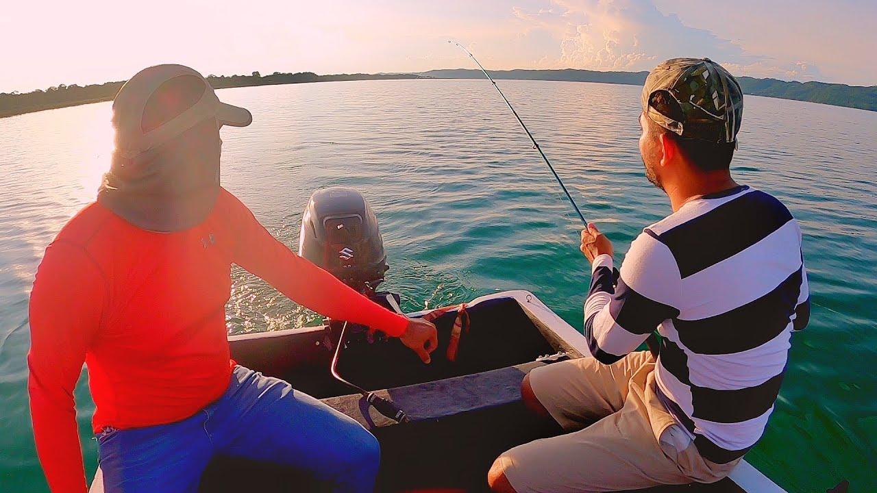 Una Tarde Pescando En Un Hermoso Lago