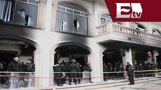 Habitantes de Huehuetoca incendiaron Palacio Municipal y volcaron dos patrullas/Titulares