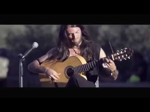 Estas TonnePerfect guitar   Beautiful Song   Must See!