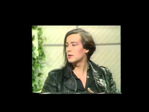 PHIL OAKLEY INTERVIEW 1982 : FRIDAY NIGHT SATURDAY MORNING SHOW