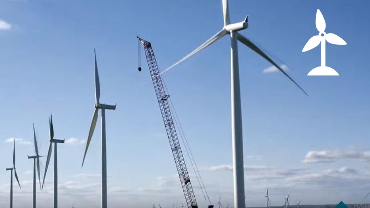 Wind turbine construction time lapse at Lower Snake River