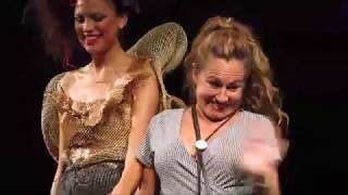 """""""Concurso Internacional de Vestidos de Papel de Güeñes 2019"""" (3/3)."""