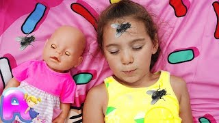 Anna and Baby doll vs Pesky Flies!