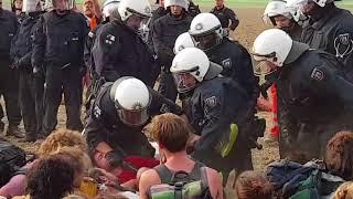 Polizeigewalt bei Ende Gelände Protest
