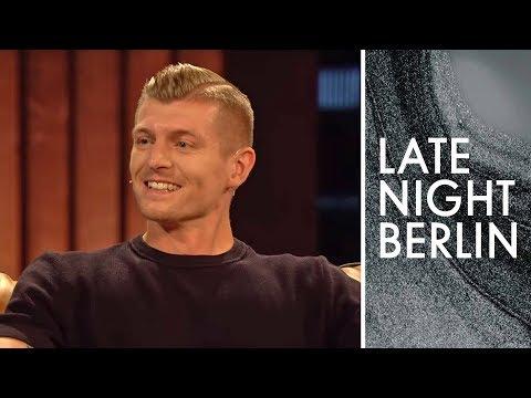 Fußball-Profi Toni Kroos spricht über das WM-Aus gegen Südkorea | Late Night Berlin | ProSieben