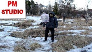Как сделать летающий небесный фонарик из мусорного пакета(Такой китайский фонарик может легко изготовить каждый! Неудачные запуски можно увидеть в видеозаписях..., 2013-05-28T14:27:06.000Z)