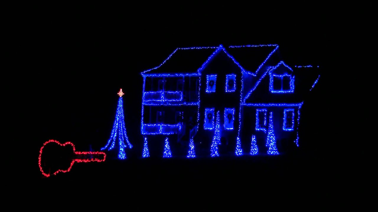 2011 blue christmas porky pig brown family christmas light show hd - Blue Christmas Porky Pig
