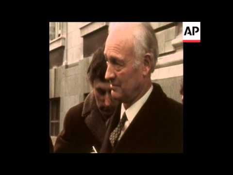 SYND 3-2-72 BRITISH EMBASSY IN DUBLIN IS BURNED