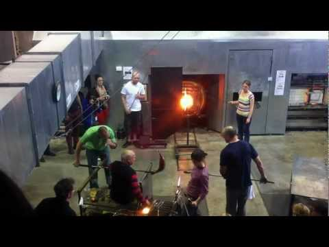 Part VIII Lino Tagliapietra in action at Canberra Glassworks Sept2012