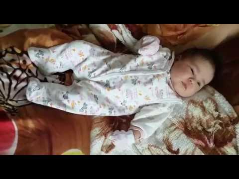 Спустя месяц голова новорожденного округляется