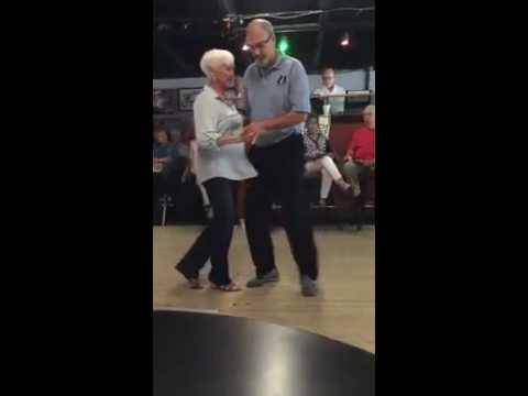 Знаменитые пожилые люди продолжающие успешно трудиться