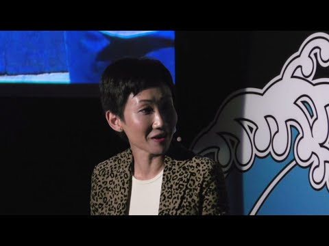 A Mother and Daughter Bridge Education and Learning | Hillary Yip | TEDxTinHauWomen