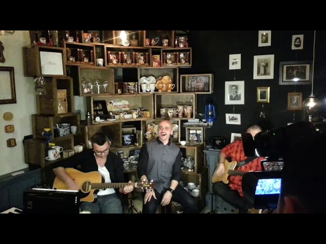 Voltaj - Ultima secunda (LIVE @ Camera din fata)