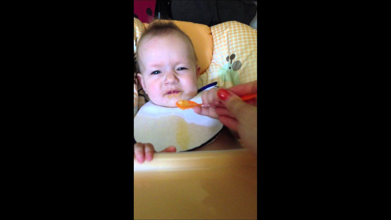 Feeding a baby - 10 months old - YouTube