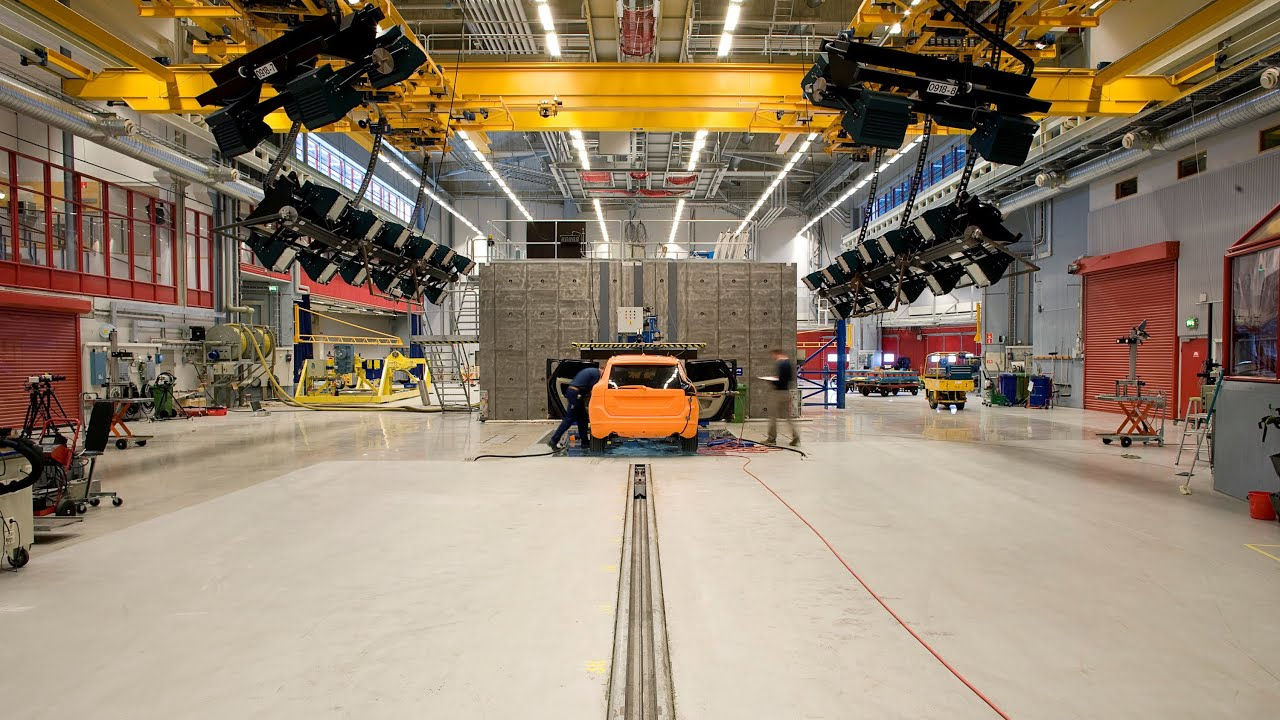 Volvo Cars Crash Test Laboratory - YouTube