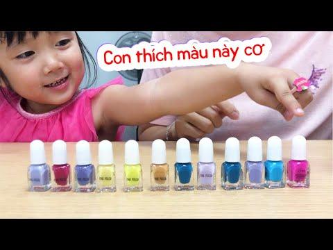 Mẹ và Ruby Giả vờ Chơi với sơn móng tay trẻ em | Pretend Play with children's nail polish