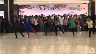Flash Mob by BITS Pilani Hyderabad Campus Students at Manjeera Mall for Pearl 2014