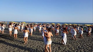 VersuS Academy - Unidos Por La Kizomba (Flashmob Ostia, Rome, Italy)