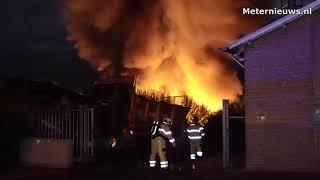 Grote brand bij autobedrijf in De krim